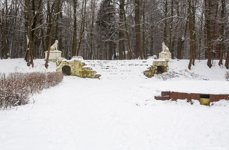 Усадьба Пехра-Яковлевское, сфинксы и лестница. Московская область