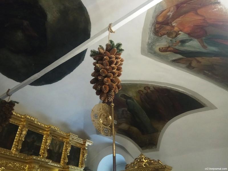 Храм Покрова в Медведкове, детали интерьера. Москва