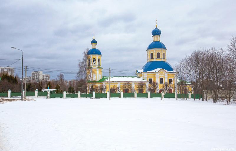 Храм Петра и Павла в Ясеневе. Москва