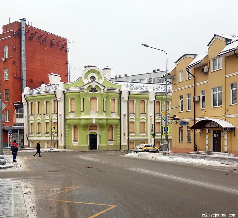 Дом купцов Абрикосовых, символ Бабаевской шоколадной фабрики, в новом цвете и после реставрации. Москва