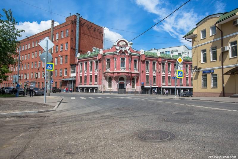 Дом купцов Абрикосовых, символ Бабаевской шоколадной фабрики, до реставрации. Москва