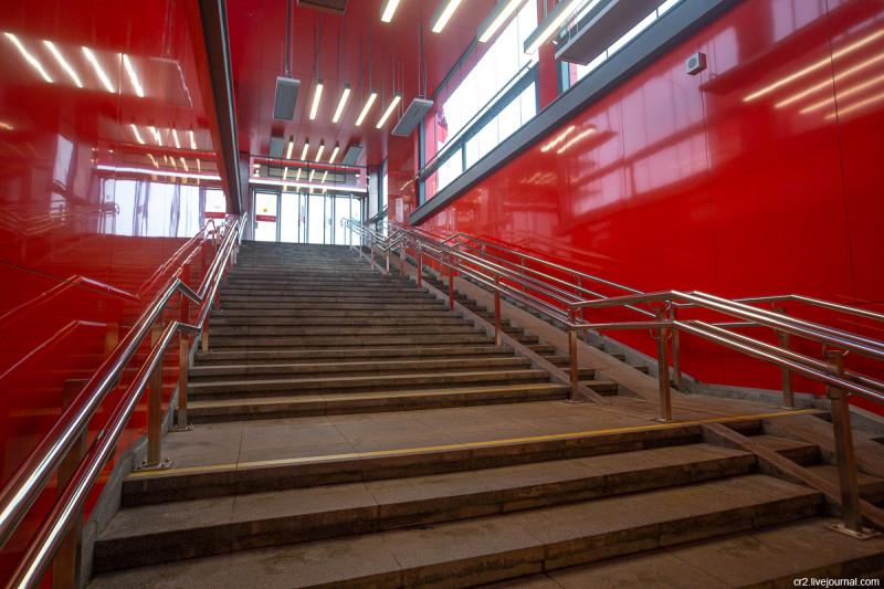 Станция московского метро Мнёвники, интерьер вестибюля