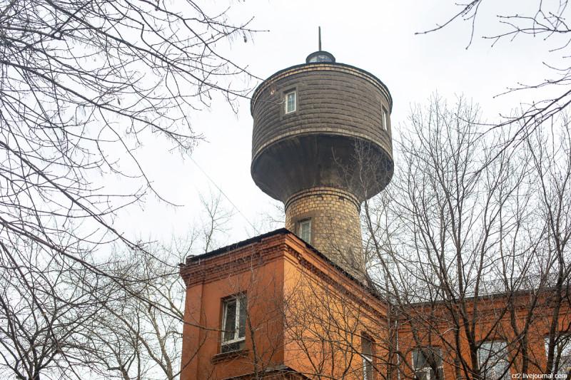 Водонапорная башня на Волочаевской улице. Москва