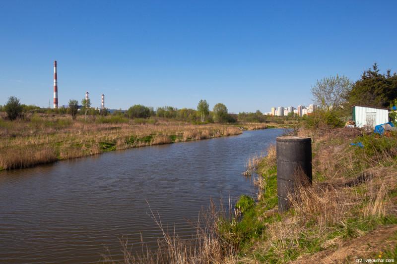 Речка Сукромка, приток Яузы. Московская область