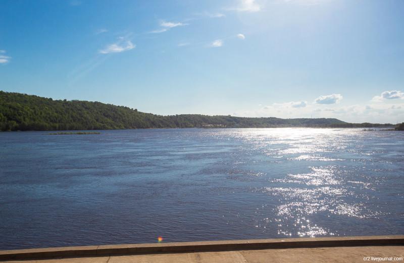 Река Ока у Шуховской опоры ЛЭП. Нижегородская область