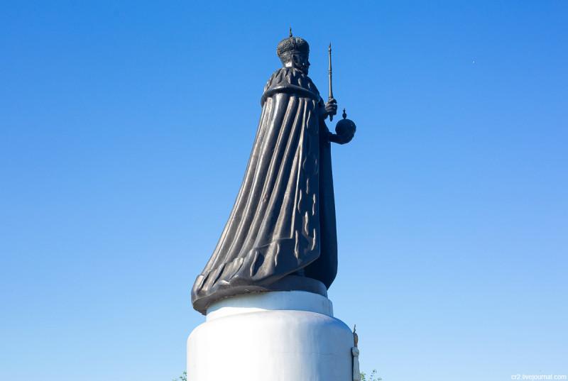 Памятник Николаю II. Тайнинское, Московская область