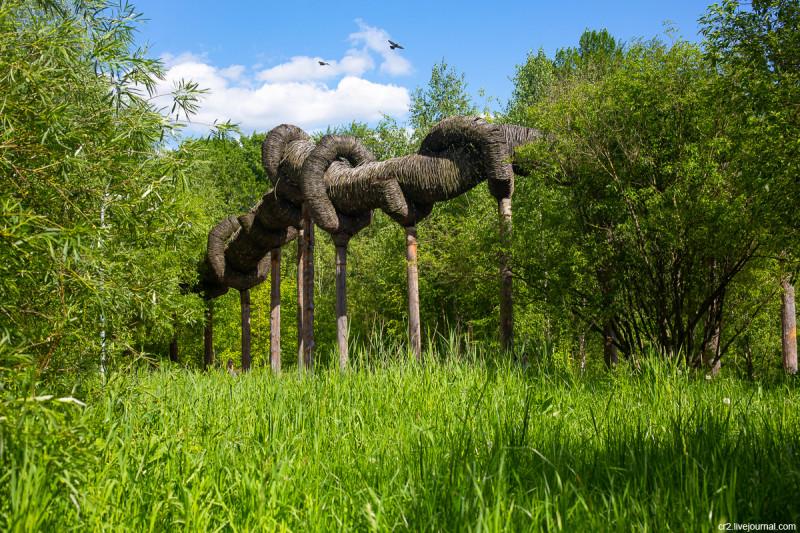Арт-объект Николая Полисского в парке Свиблово. Москва