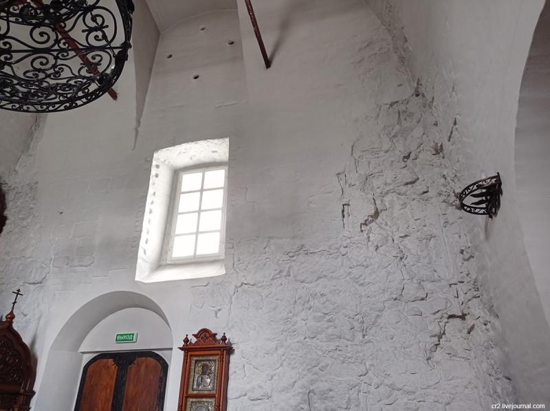 Иоанно-Предтеченская церковь на Городище, детали интерьера. Коломна, Московская область