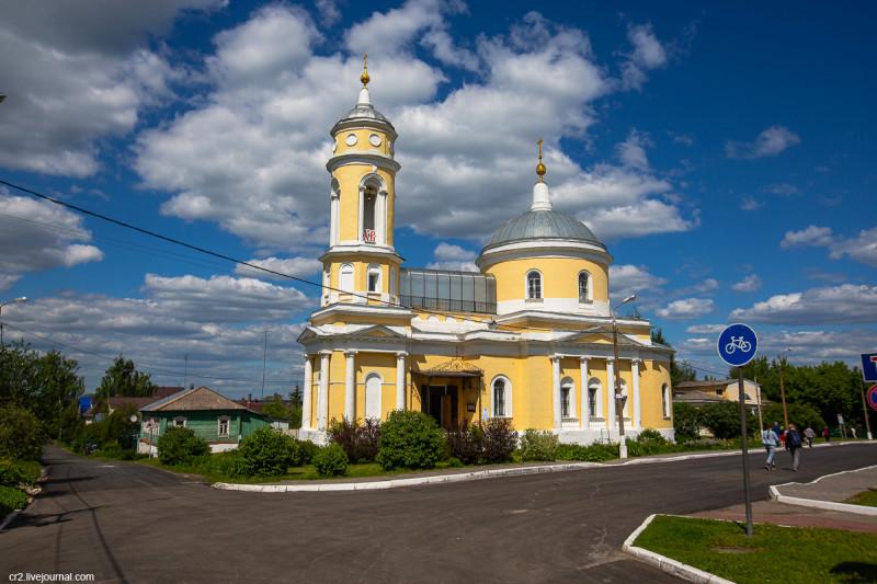 Крестовоздвиженская церковь на территории Коломенского кремля. Коломна, Московская область