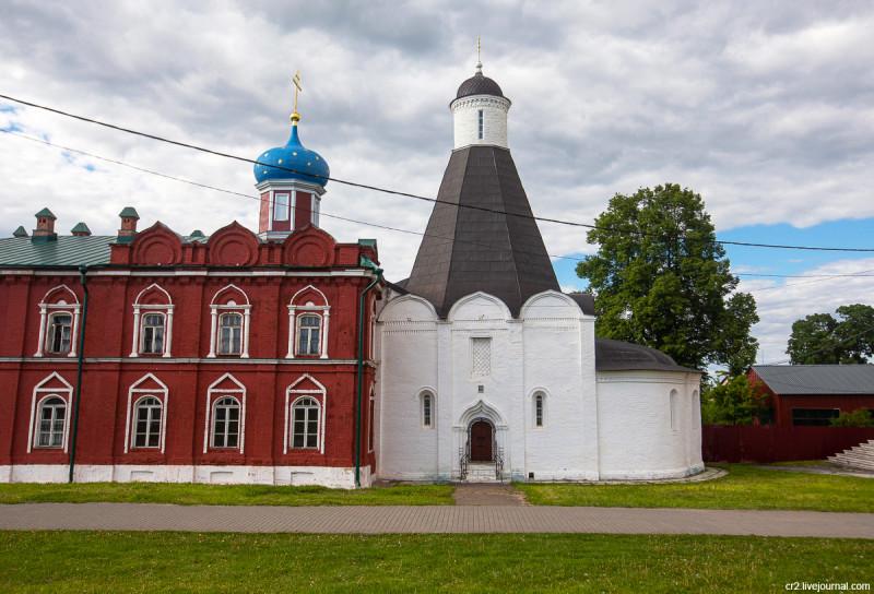 Успенская церковь Брусенского монастыря. Коломенский кремль. Коломна, Московская область