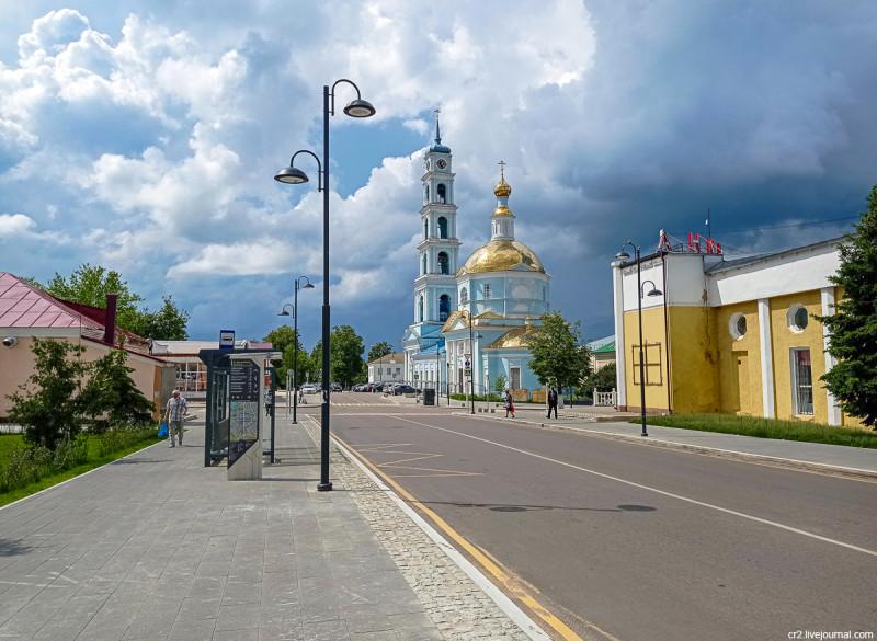 Центр города и Введенская церковь. Кашира, Московская область