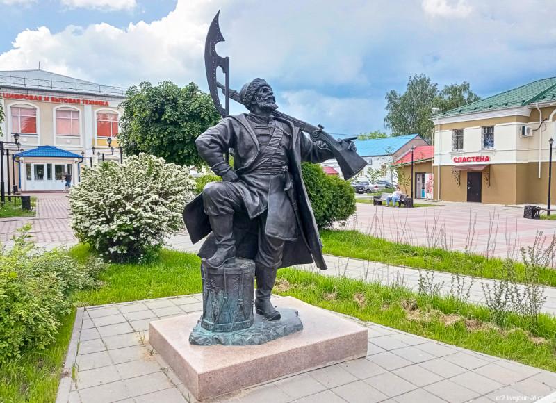 Памятник каширскому стрельцу. Кашира, Московская область