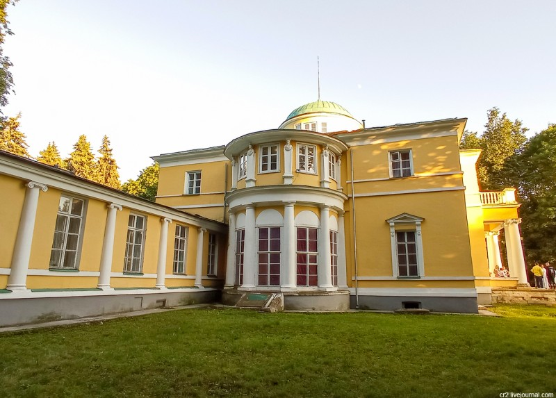 Главный дом усадьбы Братцево, детали. Москва