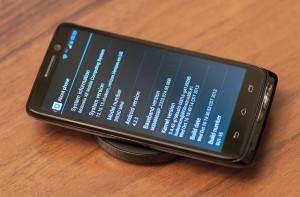 Motorola Droid Mini с беспроводной зарядкой