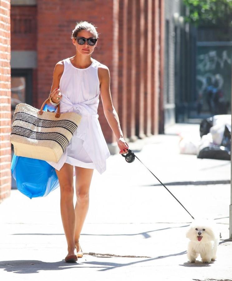 Olivia+Palermo+Olivia+Palermo+Walks+Dog+NYC+FtXrpXEO3-5x