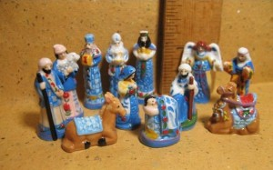 204 2015 2cm Blue Folk Art nativity (via Etsy.com)