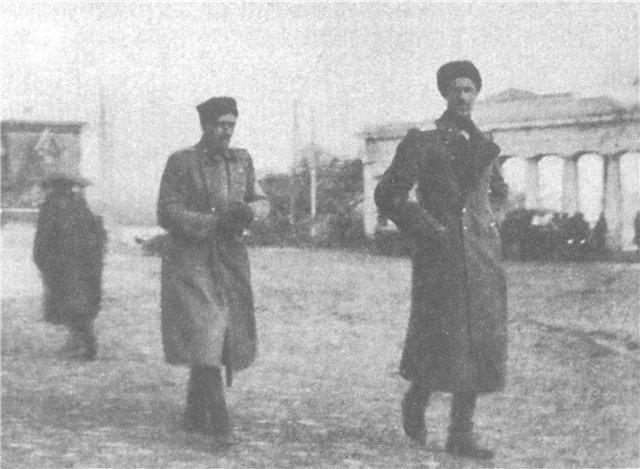 Главнокомандующий Русской армией генерал П.Н. Врангель при эвакуации из Севастополя. 1920 г.