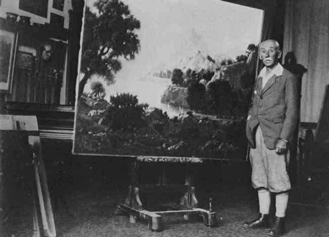 К.Богаевский в своей мастерской в Феодосии (30-е годы)