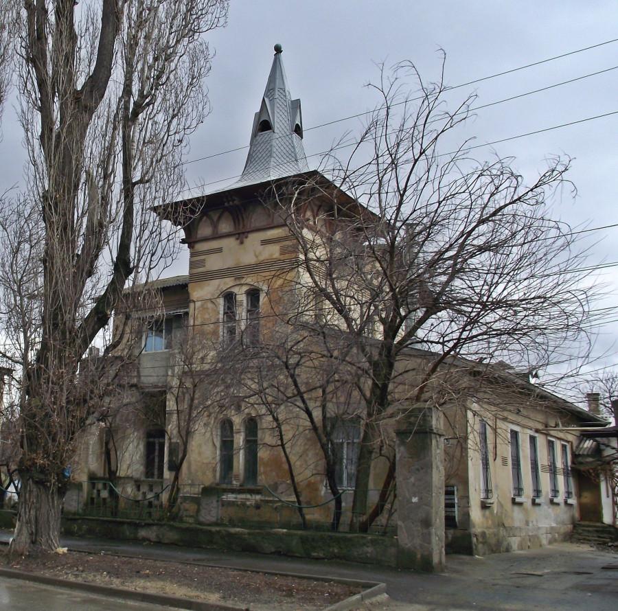 особняк в Симферополе, где по дороге в Ялту останавливался У.Черчилль (фото М.Львовски)