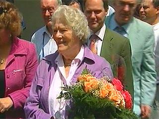 младшая дочь Черчилля Мэри во время визита в Крым в 2007 году