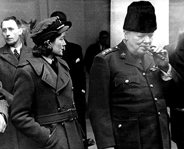 месте с Черчиллем в Воронцовском дворце поселилась его дочь Сара, которая была в чине полковника