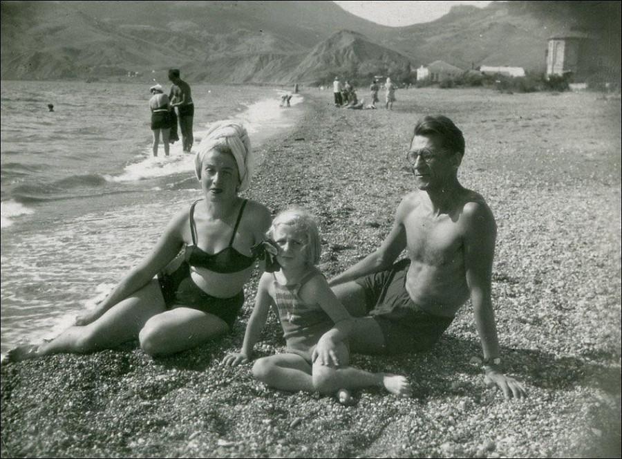 семья на горпляже