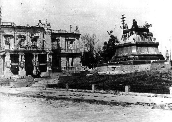 первые дни после освобождения (1944)
