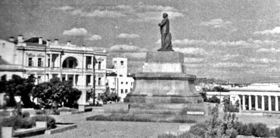 второй Ленин (1945-1957)