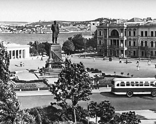 памятник Нахимову (1959)