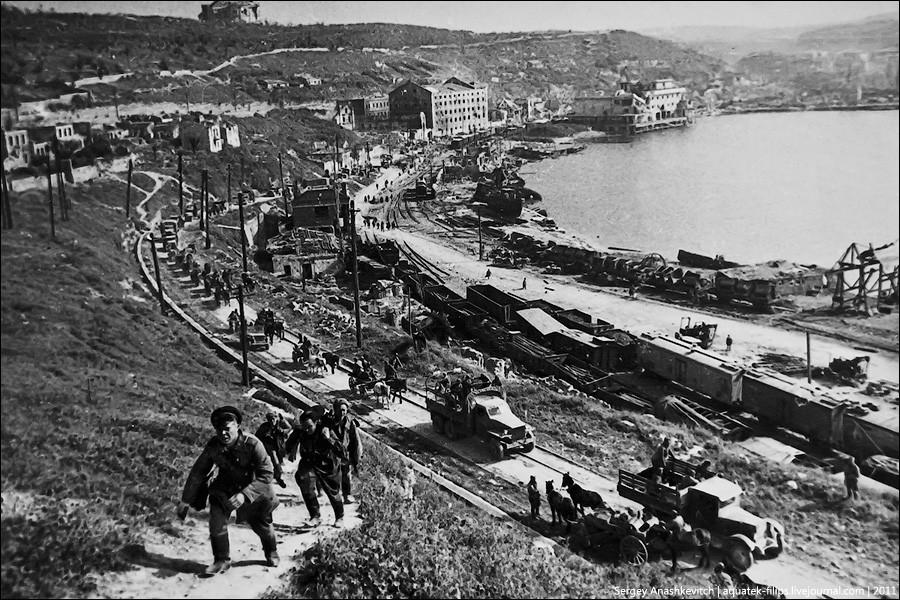 Севастополь, первые минуты после освобождения