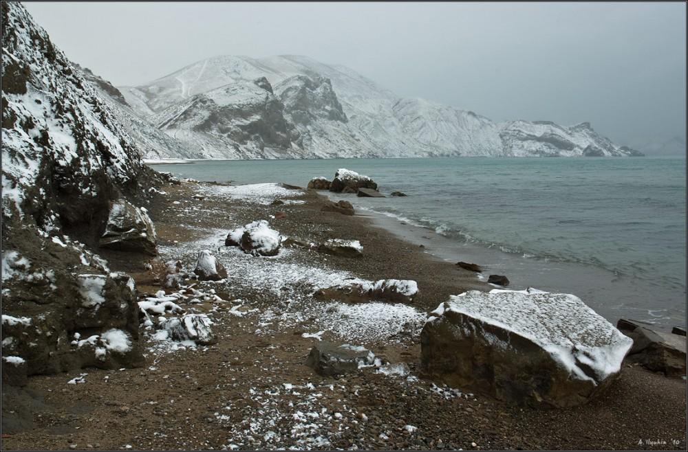 У зимнего моря
