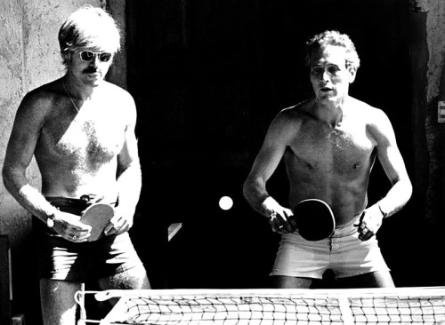 Robert Redford and Paul Newman playing ping-pong