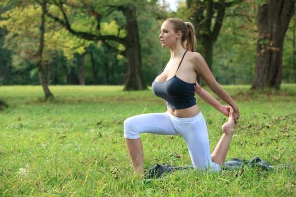 Джордан Карвер йога