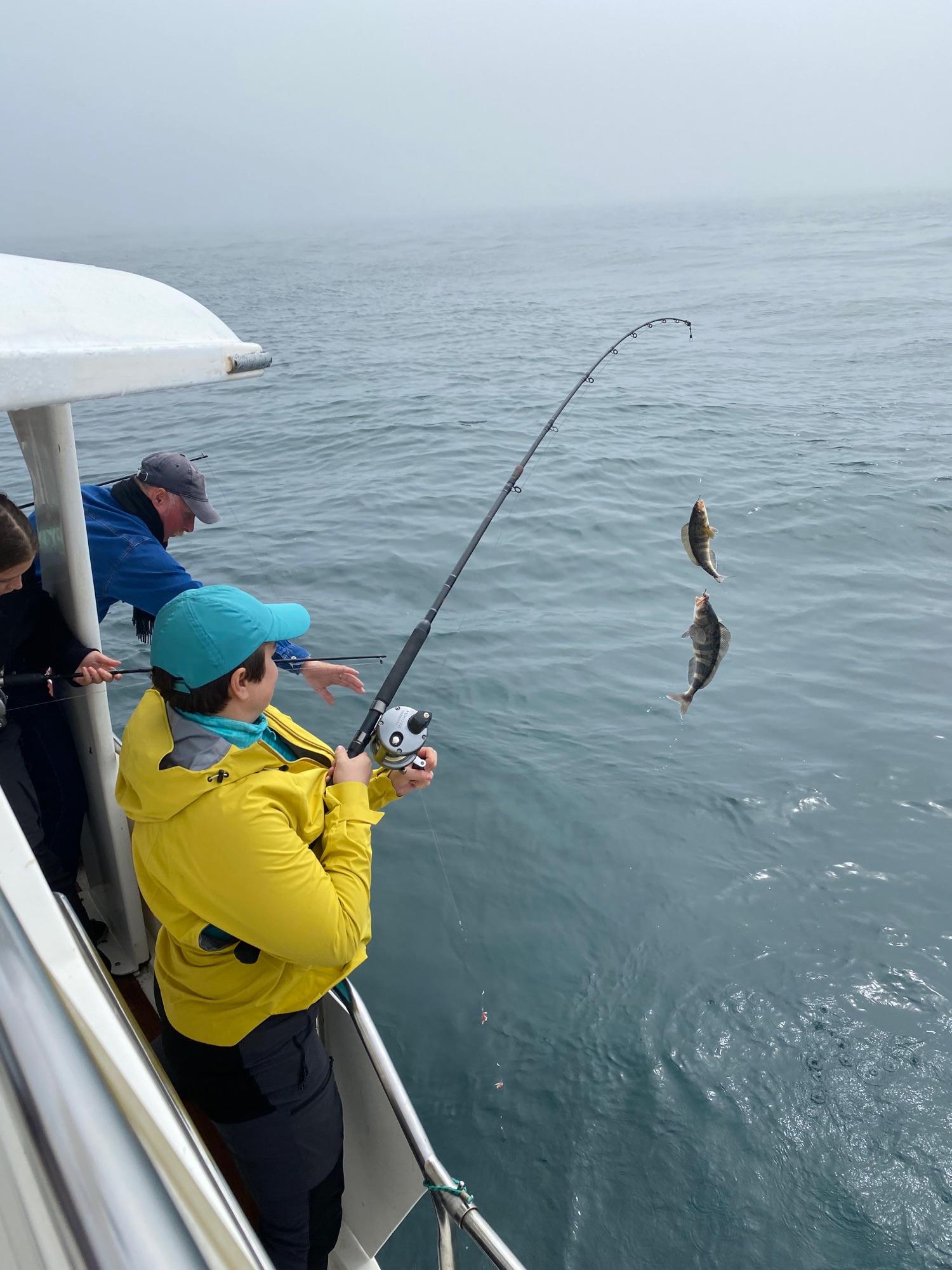 Через какое-то время мы сделали остановку на рыбалку