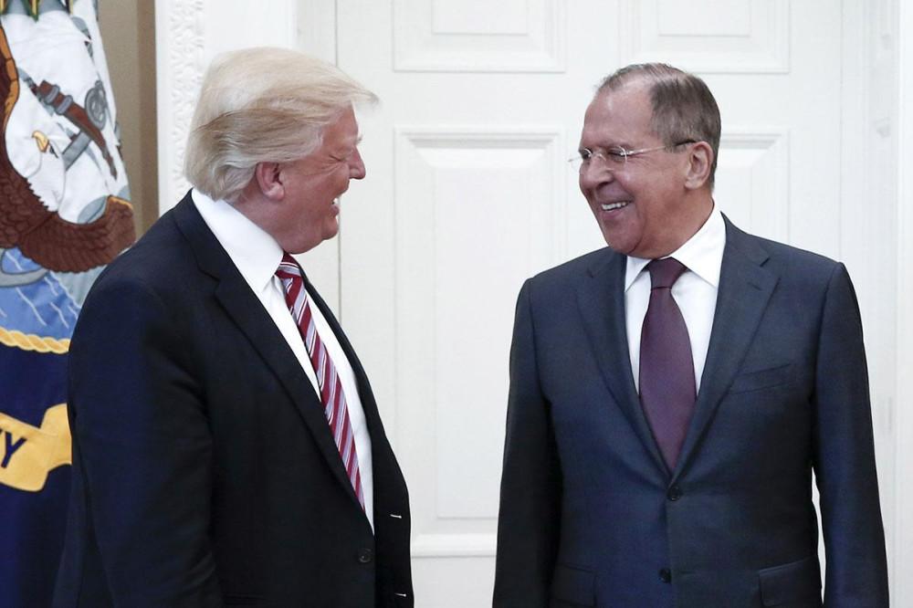 Русофобы Трампа попали в опалу. Но виноваты будут русские