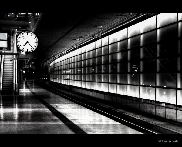 flickr-train-station-clock