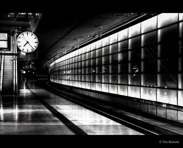 flickr-train-station-clock