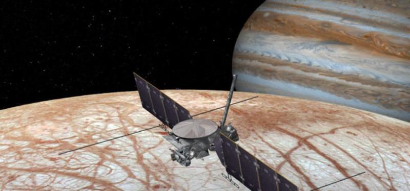 Таким может быть космический аппарат Europa Clipper