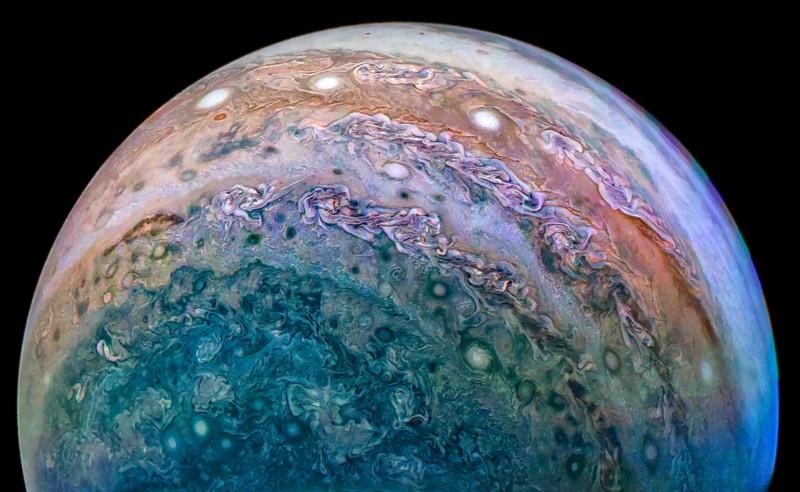 Юпитер во всей красе. Снимок сделан межпланетной станцией Juno