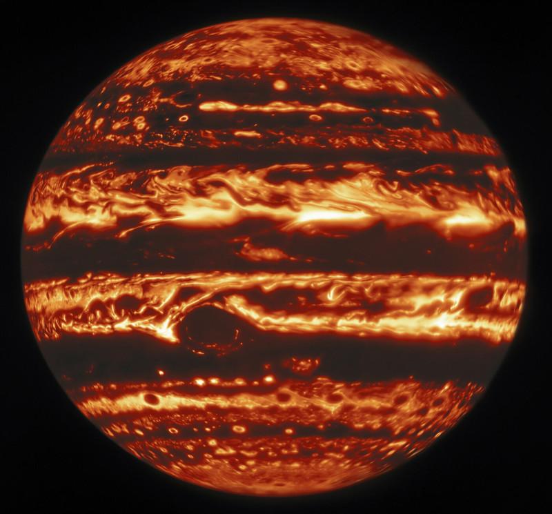 Юпитер в инфракрасном свете.