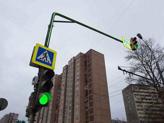 светофор на Г-образной консоли типа «гусь»