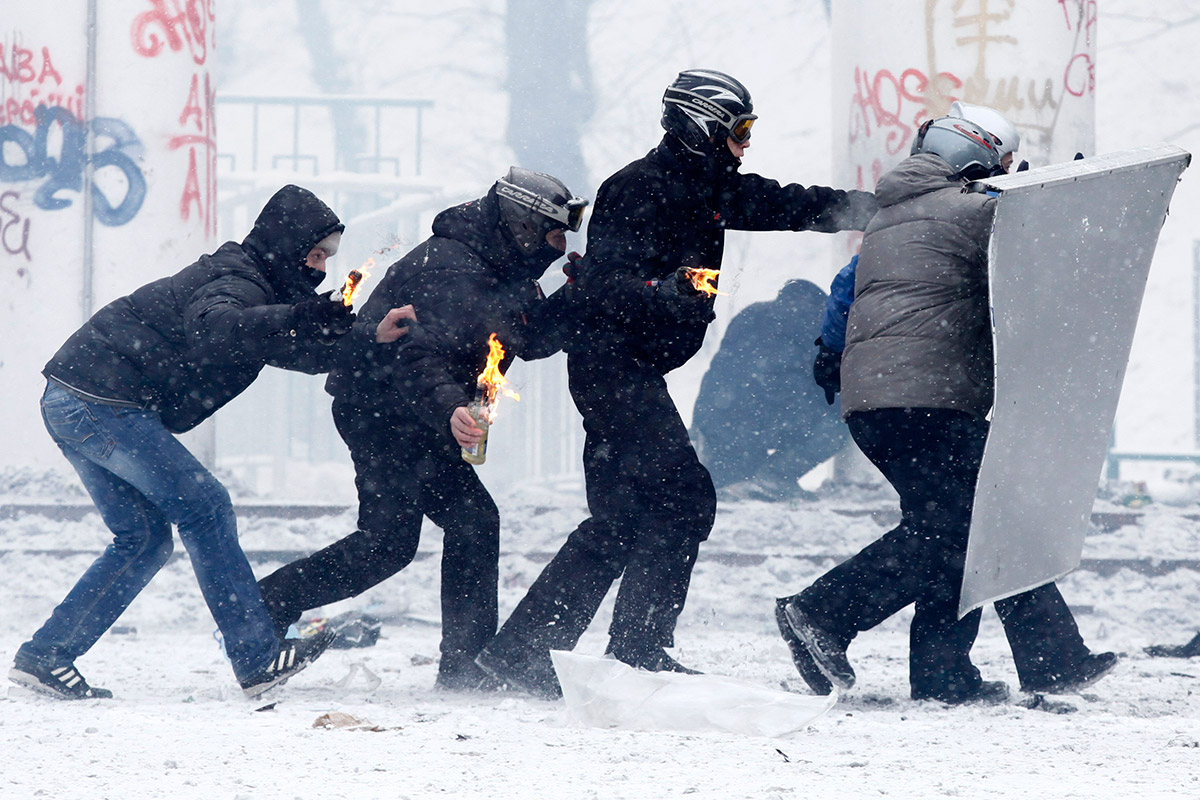 protesters-petrol-bombs