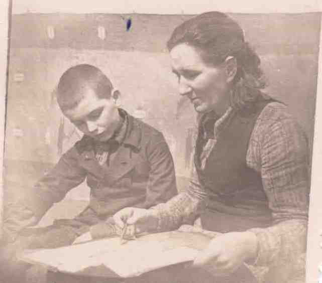 1947-Папа и бабушка