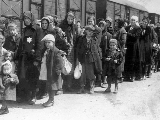 Deportationszug-auschwitz1