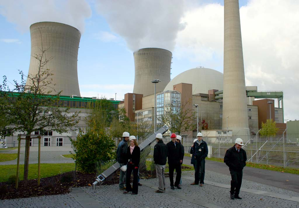 Nuclear_plant_at_Grafenrheinfeld