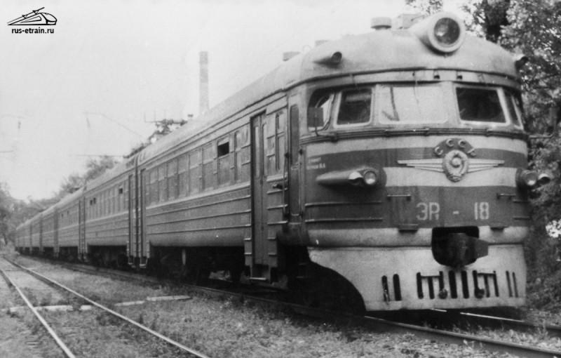 Ретро-фотографии электропоездов Владивостока. re_58_20170806202003564.jpg