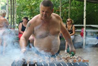 Шашлык. Рецепт приготовления шашлыка из свинины, маринование и жарка.