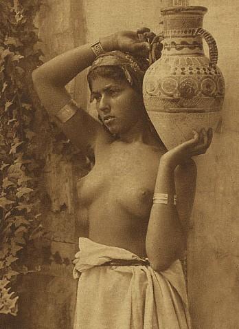 topless-bedouin