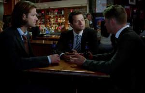 SPN_909 Guys drinking