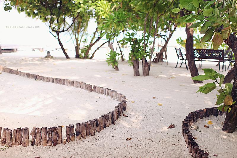 Maldives-part-II-by-Sonya-Khegay-26